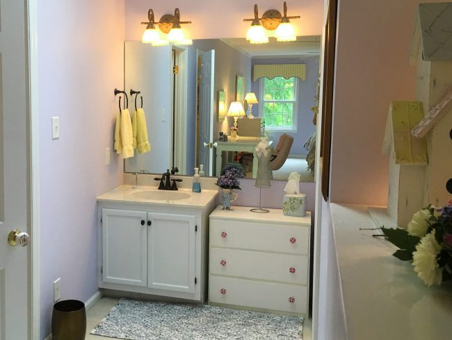 Second vanity and storage in the alcove next to the Magical Midnight Massage Room
